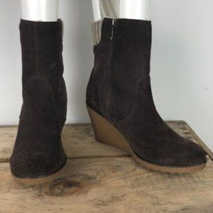 LACOSTE brown suede leather wedge boots sz 8